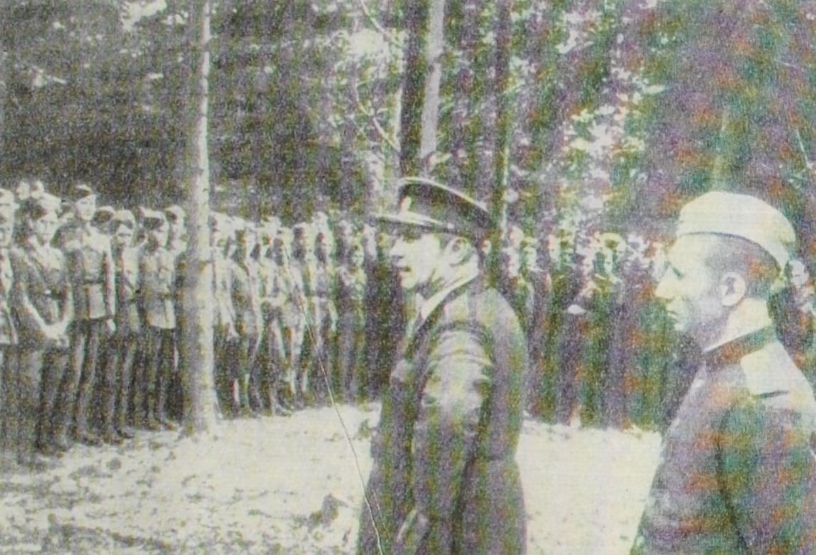 Солдаты и офицеры 1-го чехословацкого армейского корпуса. На переднем плане командир корпуса генерал Л. Свобода. Фотография. 1944 год.