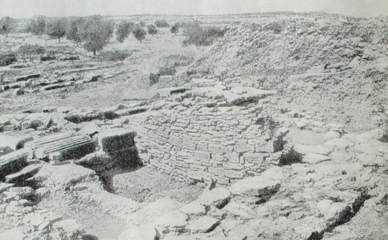 Остатки крепостных стен Трои. XIII в. до н.э.