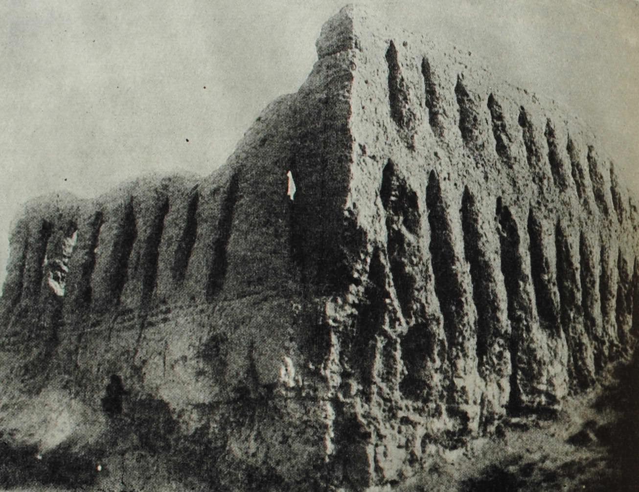 Городище Джанбас-Кала. Часть крепостной стены. IV - II вв. до н.э.